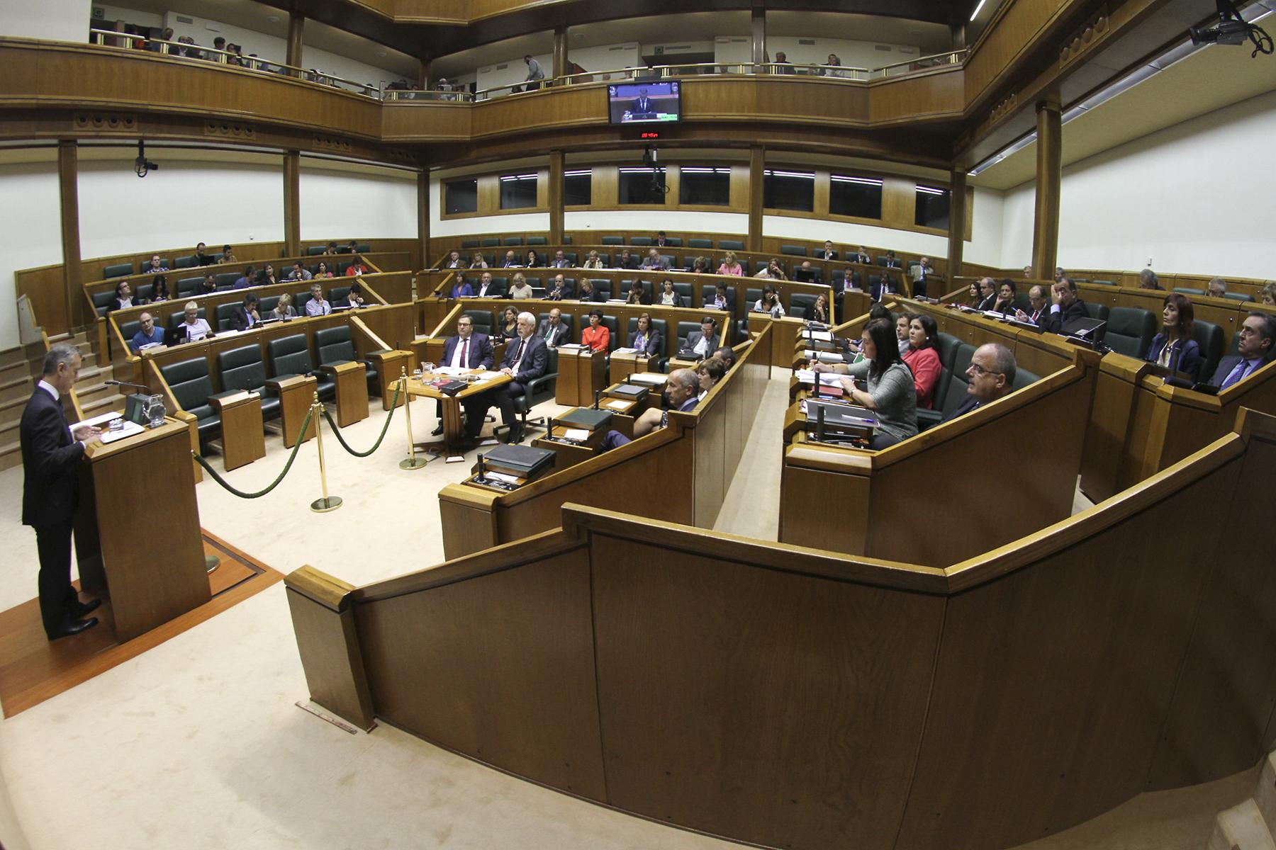 2015_09_24_lhk_parlamento_014.jpg