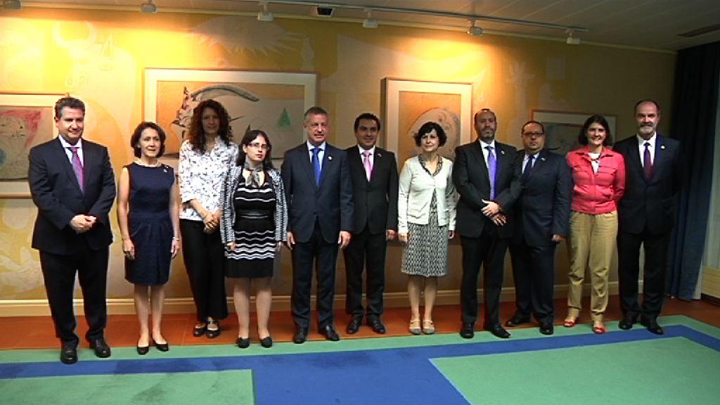 """El lehendakari recibe a una delegación de México dentro del """"Euskadi Learning Tour"""" [1:03]"""