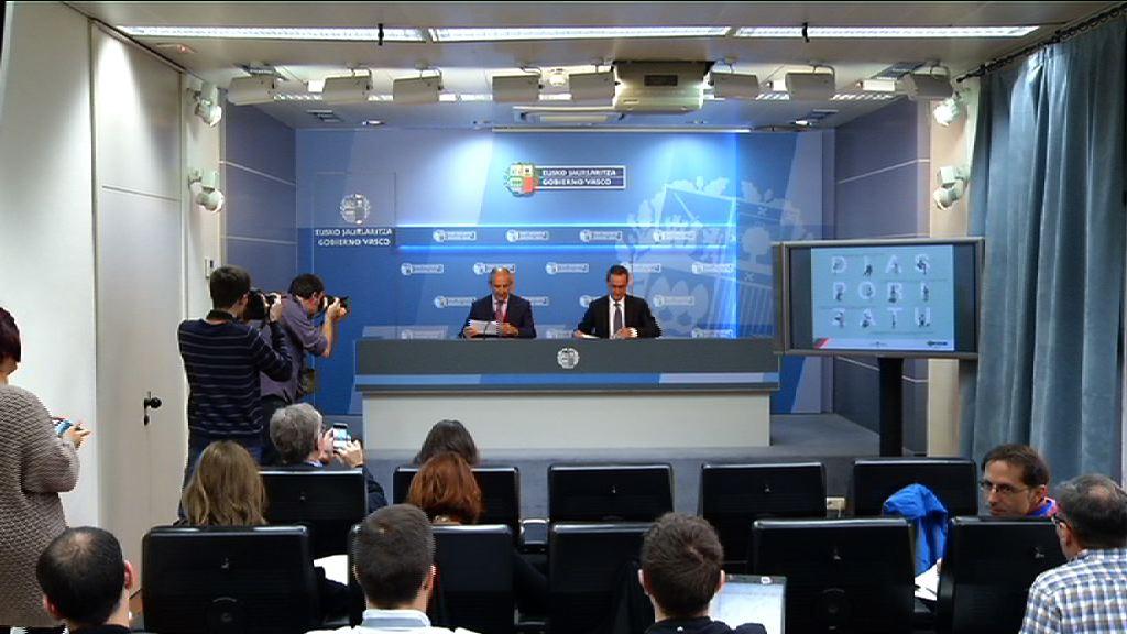 Eusko Jaurlaritzak errekurtsoa aurkeztuko du Konstituzio auzitegian beste behin, Espainiako bi lege berrik eskumenak urratzen dituztelako  [50:20]