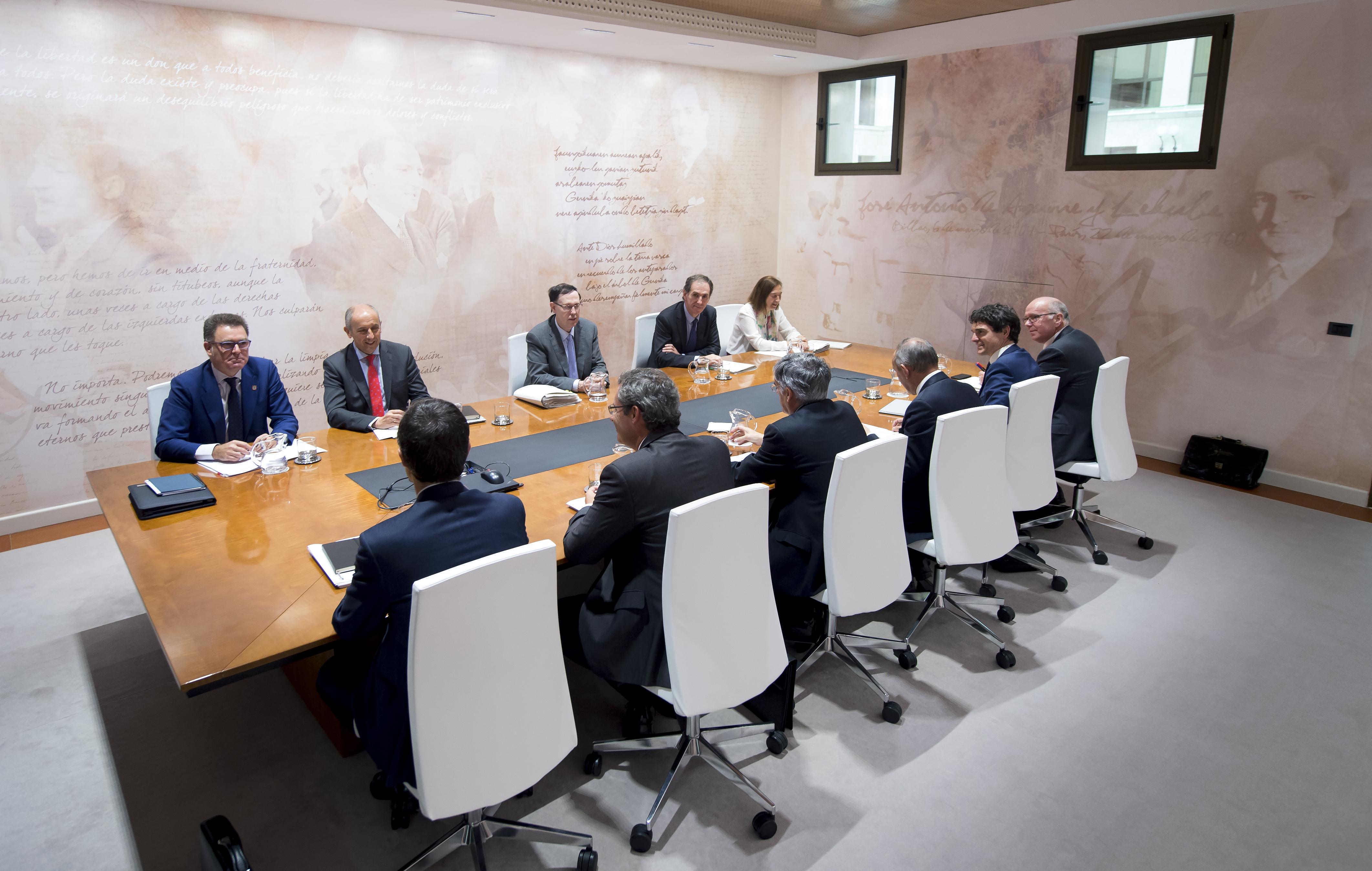 2015_10_14_consejo_vasco_finanzas_03.jpg