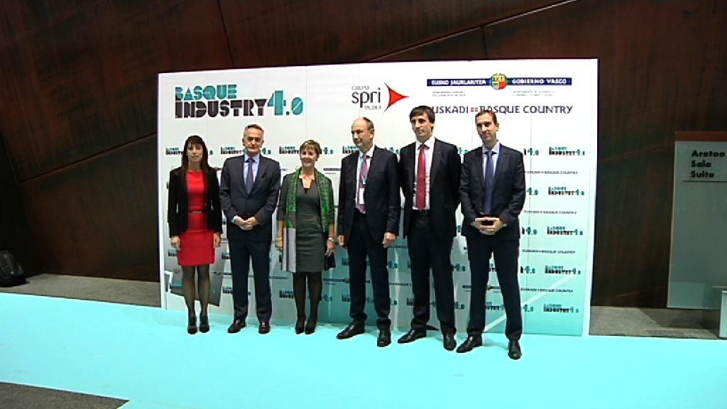 """Arantxa Tapia destaca que """"la Industria 4.0 ya es una realidad en Euskadi y vamos a integrarnos en una red que lidere la vanguardia europea"""" [27:25]"""