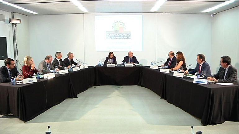El Gobierno Vasco firma un convenio de colaboración con las principales entidades financieras que operan en Euskadi