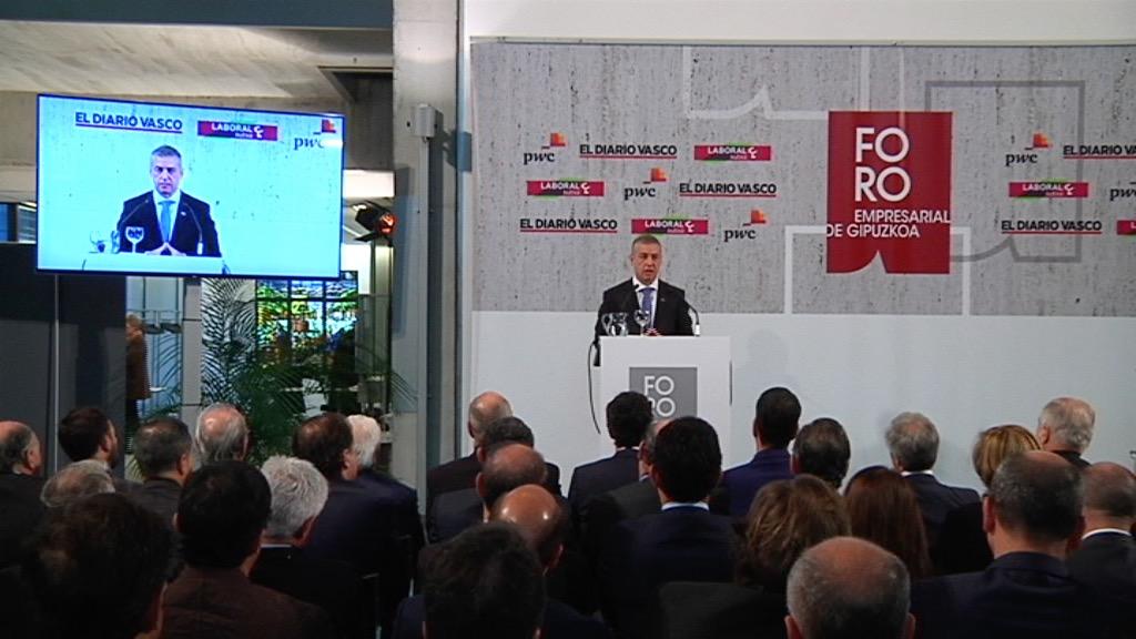 """El lehendakari destaca ante el Foro Empresarial de Gipuzkoa que las bases de la recuperación económica son """"firmes"""" [62:49]"""