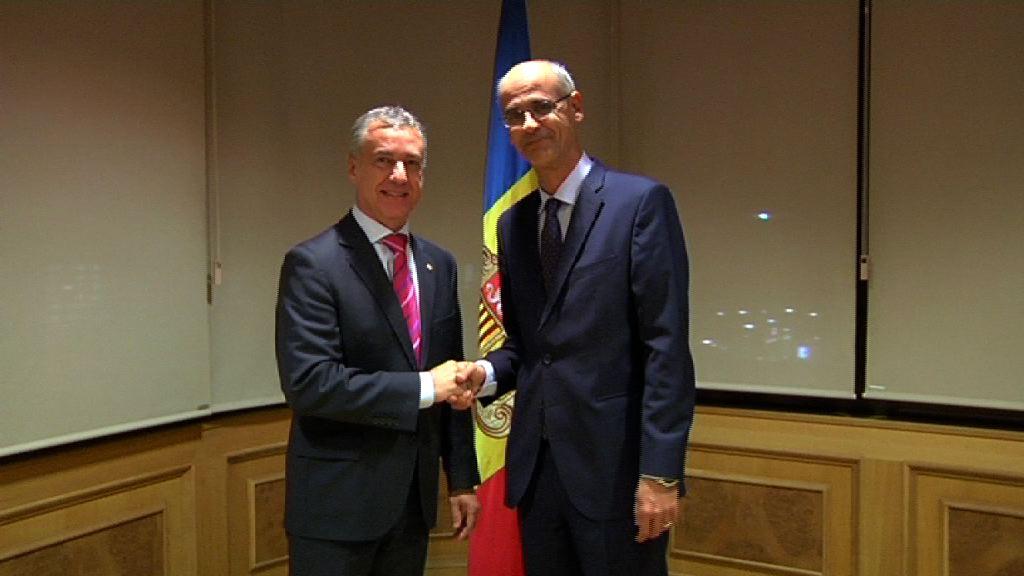 Lehendakaria Andorrako presidentearekin, Antoni Martirekin, bildu da [1:04]