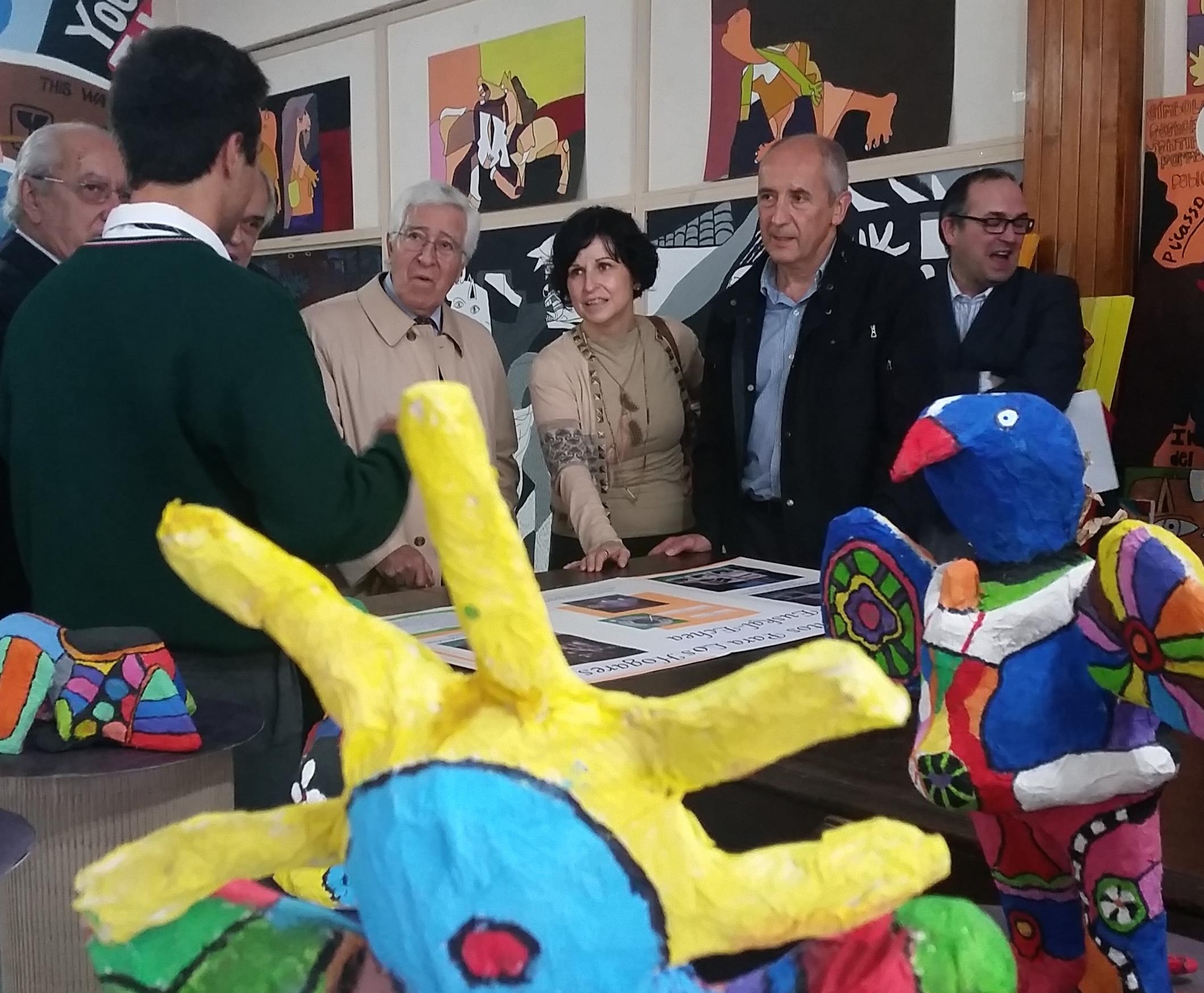 Una delegación del Gobierno Vasco visita en Argentina el único colegio fuera de Euskadi que incluye el Euskera como asignatura en su currículo educativo  [7:26]