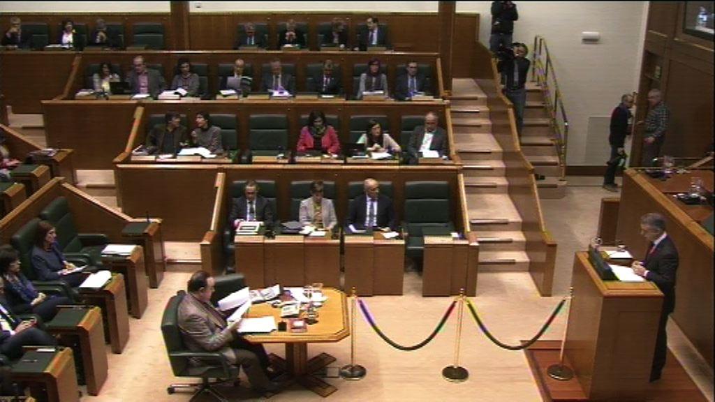 El lehendakari defiende ante la Cámara vasca el Proyecto de Ley de Presupuestos