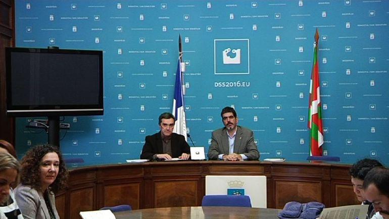 El Gobierno Vasco presenta al Ayuntamiento de Donostia los actos de reconocimiento a las víctimas que impulsará en Donostia durante el año 2016