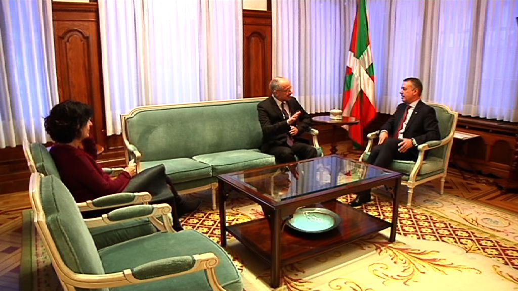 El lehendakari recibe al embajador de Israel, Daniel Kutner