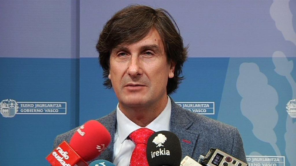 El Gobierno vasco propone a las centrales sindicales que el personal público recupere los días libres por antigüedad en 2016