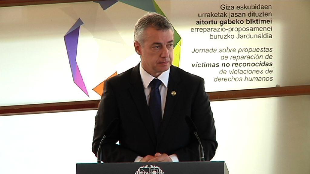 El lehendakari preside el primer reconocimiento institucional a las víctimas de vulneraciones causadas por abuso de poder o uso ilegítimo de violencia policial