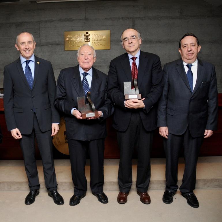 Josu Erkorekak parte hartu du zuzenbidearen munduak Juan María Vidarte de Ugarteri eta Zuzenbidearen Euskal Akademiari eskainitako errekonozimenduan