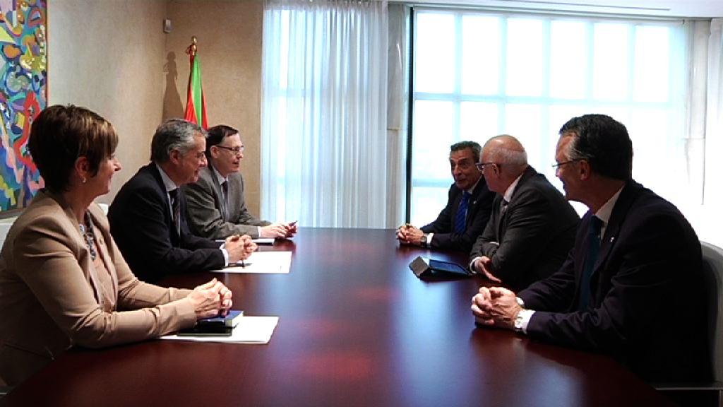 Iñigo Urkullu lehendakariak Banco Sabadellko presidentearekin bildu da