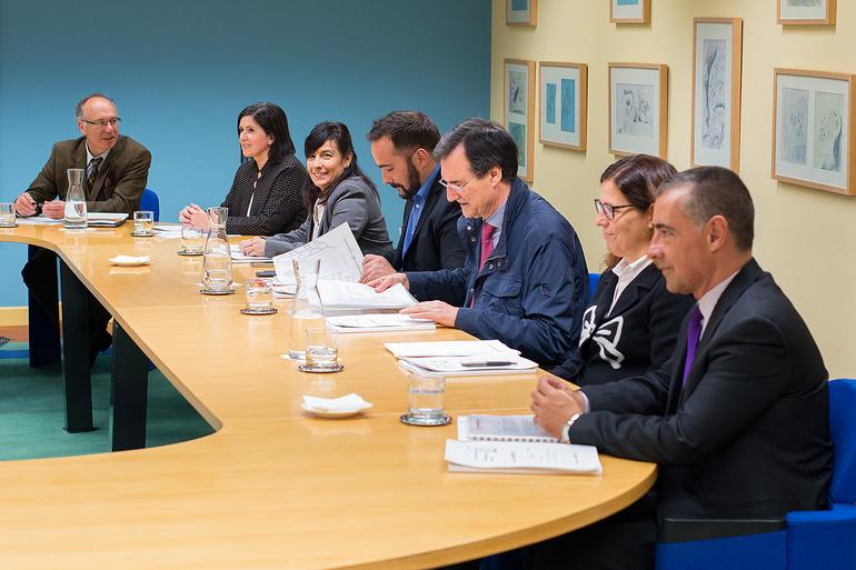 """El Lehendakari Iñigo Urkullu ha presidido la reunión anual  de seguimiento del Plan  de Salud """"Osasuna, Pertsonen Eskubidea, Guztion Ardura"""" junto a responsables de diferentes Departamentos del Gobierno Vasco"""