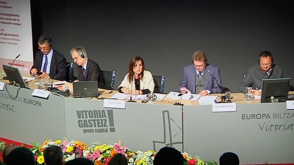 Euskal Autogobernuaren etorkizuna: ereduen azterketa alderatua