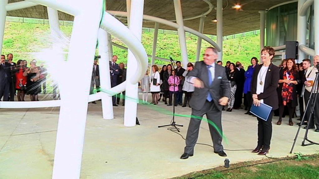 La consejera Tapia asiste a la inauguración de la nueva sede del grupo Pevasa en Bermeo
