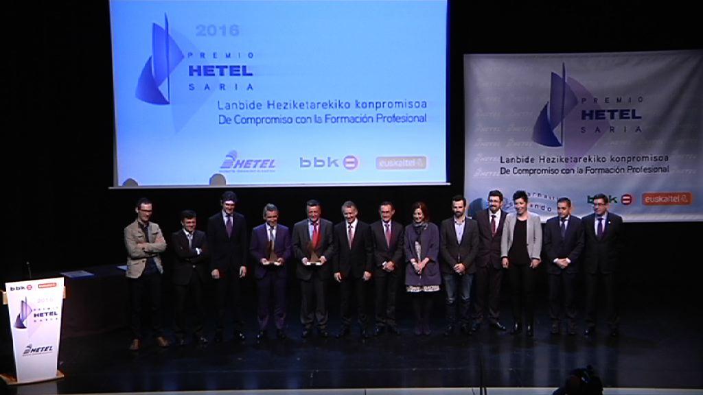 El lehendakari preside la entrega del Premio Hetel de Formación Profesional