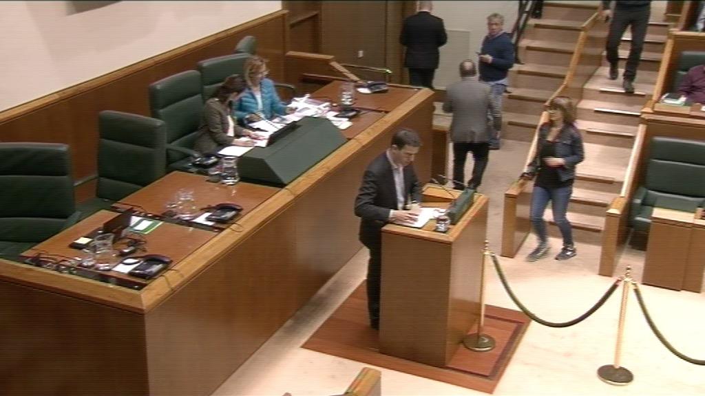 Interpelación formulada por D. Gorka Maneiro Labayen, parlamentario del grupo Mixto-UPyD, al lehendakari, sobre la necesidad de hacer frente al intento de Arnaldo Otegi de blanquear la historia criminal de ETA.