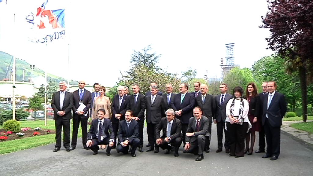 Lehendakariak parte hartu du Eusko Jaurlaritzaren eta Petronorren arteko hitzarmenaren balantzea egiteko ekitaldian