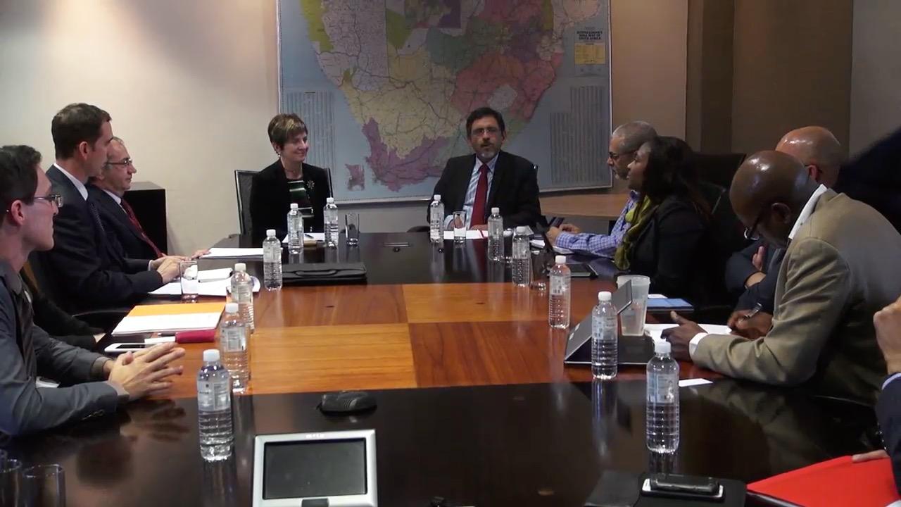 Arantxa Tapiak euskal enpresek Hegoafrikan interesa dutela azaldu dio herrialde horretako Ekonomiaren Garapeneko ministro Ebrahim Pateli