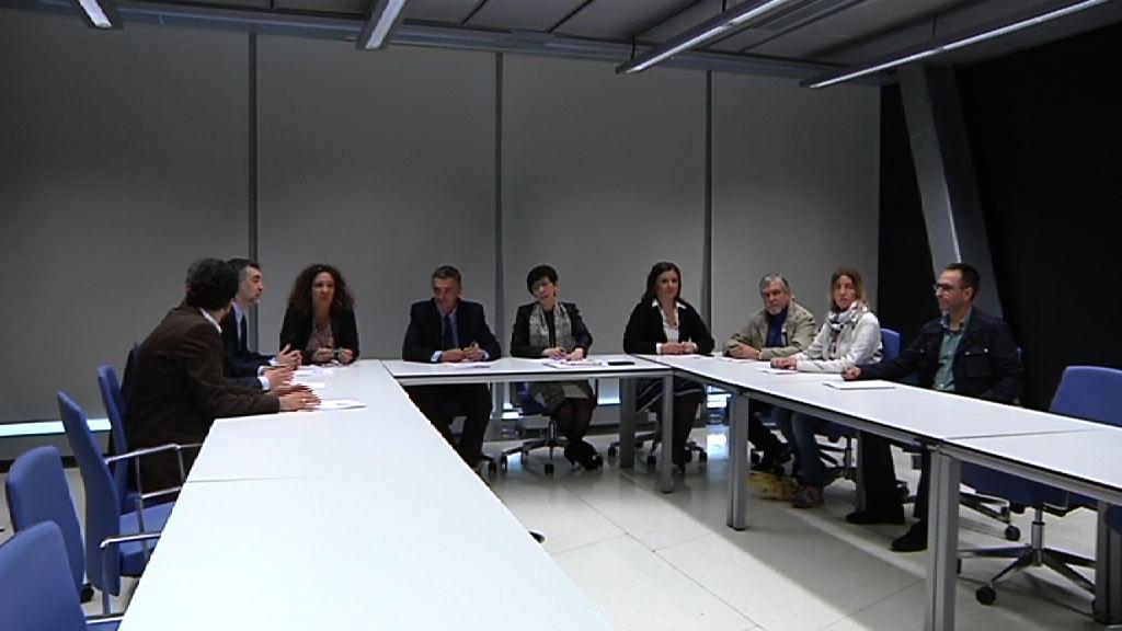 Eusko Jaurlaritzak aurkeztu berri du ETA-k 1990 eta 2011 artean mehatxatutako ertzainen eta horien senideen gaineko txostena
