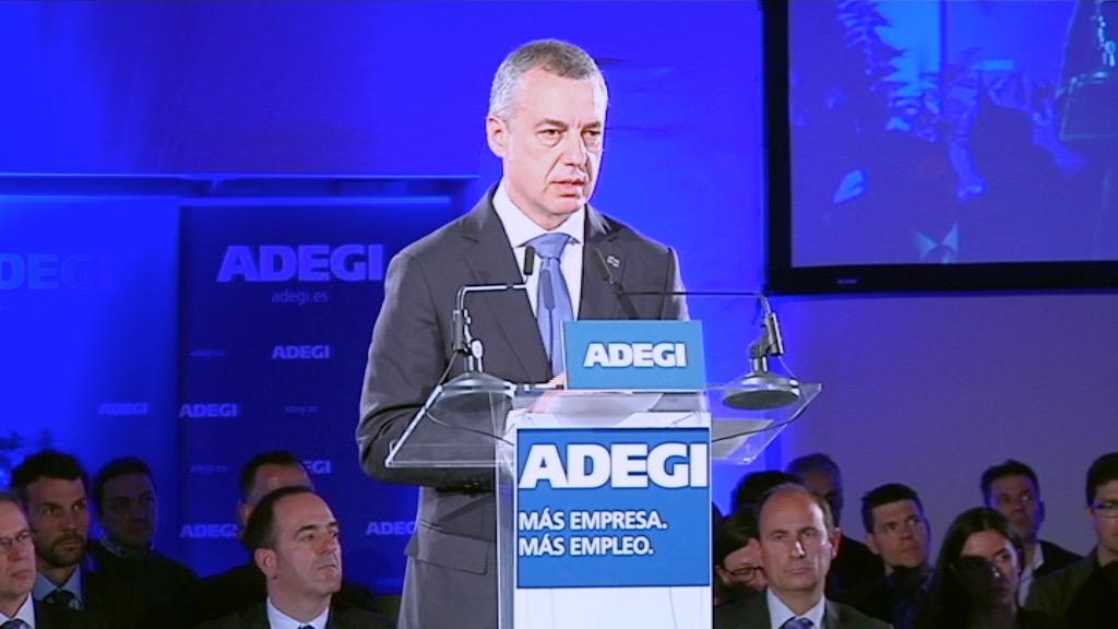 El lehendakari asiste a la asamblea general de la Asociación de Empresarios de Gipuzkoa (Adegi)