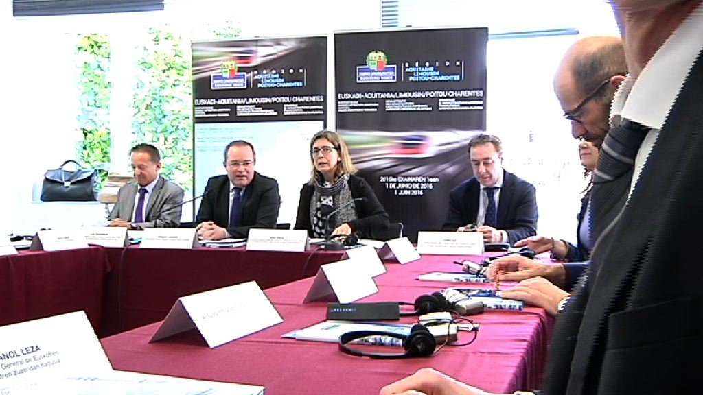 """El Gobierno Vasco y Aquitania-Limousin-Poitou-Charentes reiteran su ofrecimiento para su """"plena participación"""" en la puesta en servicio de la autopista ferroviaria de mercancías Calais/Jundiz en 2020-2021"""
