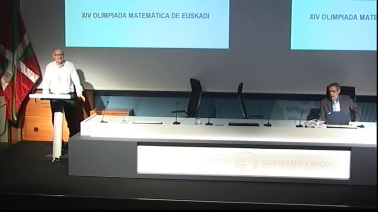 La viceconsejera de Educación entrega los premios de la XIV Olimpiada Matemática Eduardo Chillida