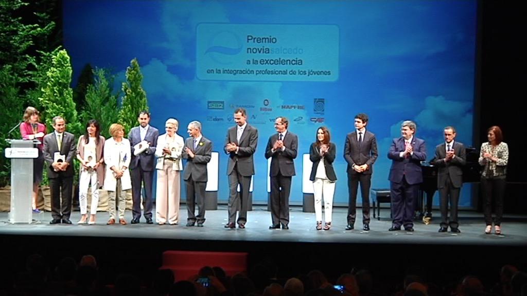 Eusko Jaurlaritza Novia Salcedo Fundazioak gazteen integrazio profesionalaren arloan ematen dituen sarien banaketan izan da