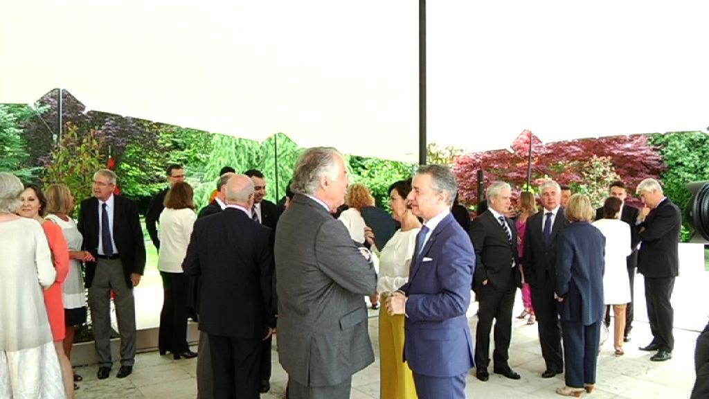 El lehendakari destaca la proyección exterior de Euskadi en el recibimiento al cuerpo consular acreditado