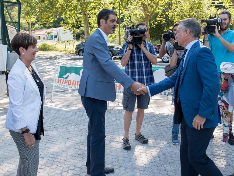 El Lehendakari asiste a las carreras de caballos en el Hipódromo de Donostia