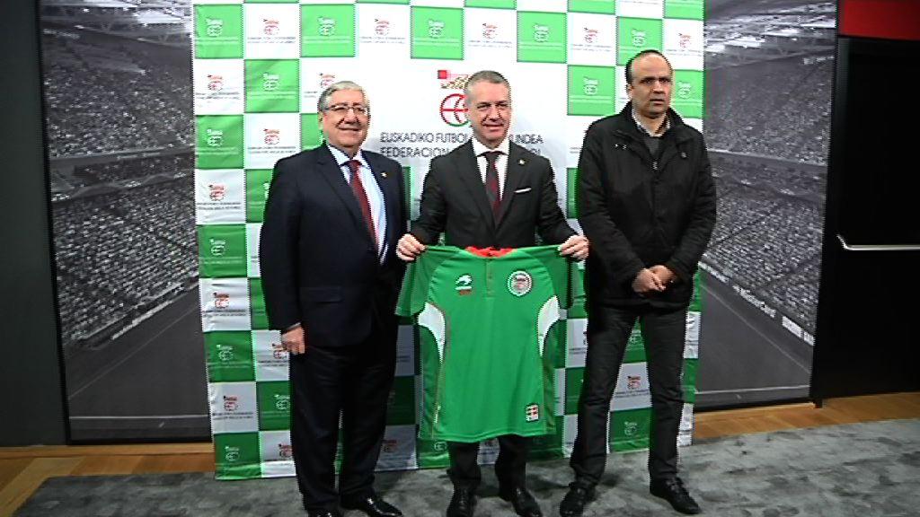 El Lehendakari ha asistido al partido entre las selecciones de fútbol de Euskadi y Túnez