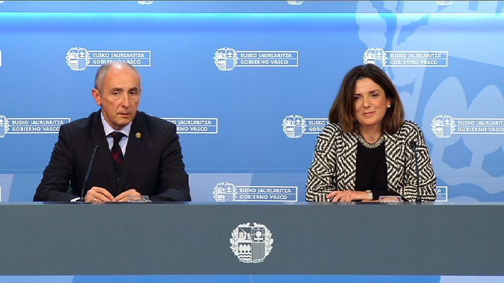 Los Gobiernos vasco y español llegan a un acuerdo que evitará el recurso ante el TC de la Ley Municipal de Euskadi