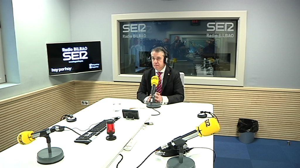 """Lehendakari: """"Espero dut Rajoy-k enpatiarekin eta elkarrizketarako jarrerarekin entzutea, eta gainera erantzuteko ahalmena izan dezala"""""""