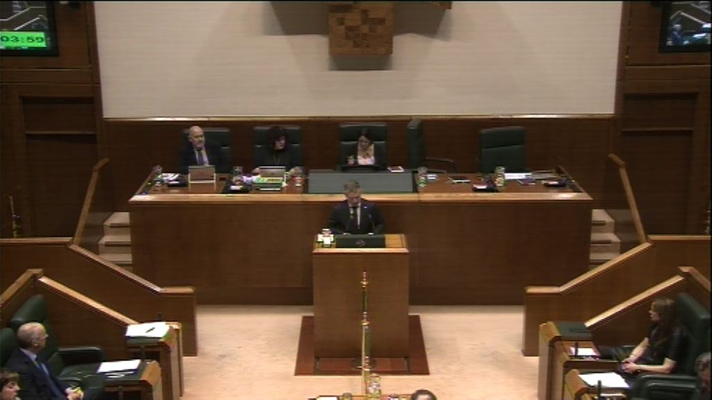 Pregunta formulada por D. Jon Hernández Hidalgo, parlamentario del grupo Elkarrekin Podemos, al Lehendakari, relativa a las declaraciones en las que, al cumplirse 80 años de los masivos bombardeos sobre la población civil de Bilbao, únicamente se hizo referencia a un episodio concreto en el que murieron presos del bando sublevado.