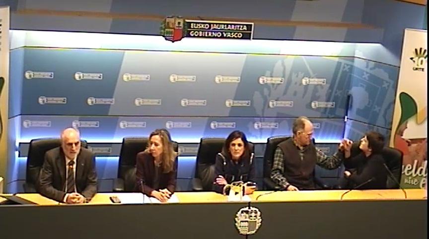 Beatriz Artolazabal destaca el trabajo de la Fundación Once de Atención a Personas con Sordoceguera a favor de su integración social