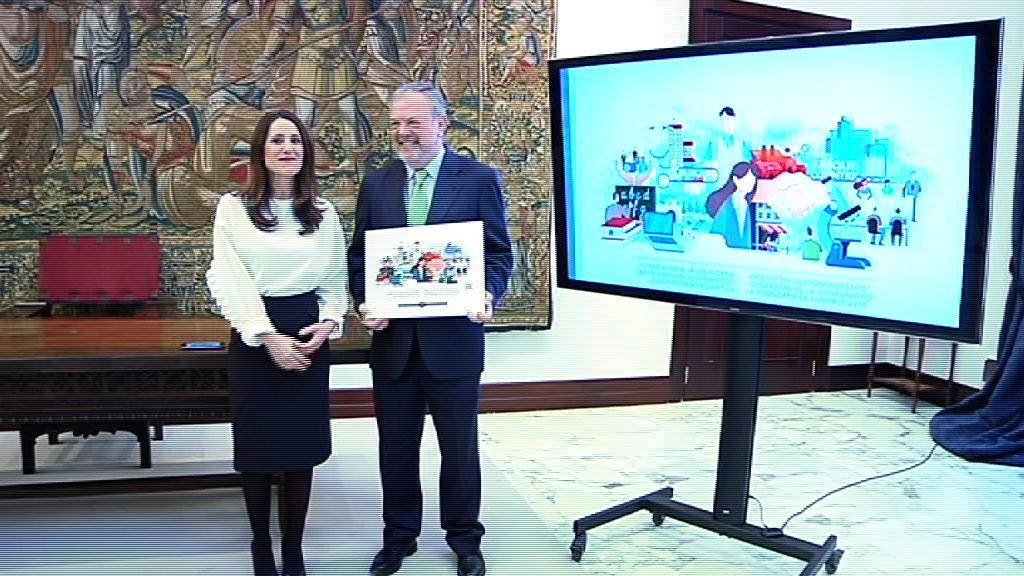 Azpiazu sailburuak 2017 ekitaldirako Aurrekontuen Lege-proiektua entregatu dio Legebiltzarreko presidenteari