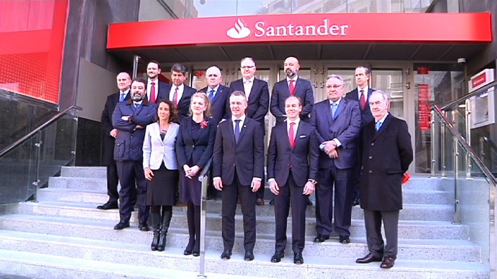 Lehendakaria Banco Santanderrek Bilbon ireki dituen bulego berrien inaugurazio ekitaldian egon da