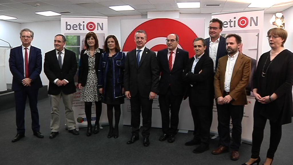 Eusko Jaurlaritzaren betiON telelaguntzako zerbitzuak sistemaren digitalizazioa aurtengo bigarren seihilekoan hasiko du