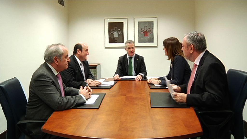 El Lehendakari se ha reunido con EAJ-PNV y PSE-EE para tratar los Presupuestos de 2017