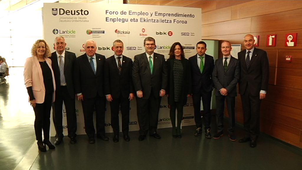 """El Lehendakari destaca que el impulso del empleo juvenil es un reto """"exigente y prioritario"""" para el Gobierno Vasco"""