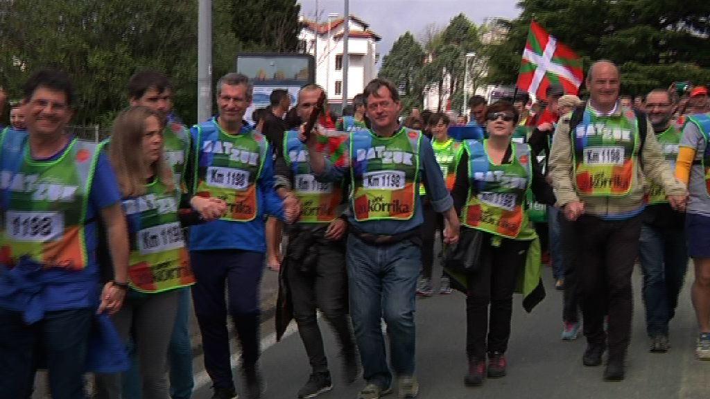 El consejero Bingen Zupiria ha participado en Korrika 2017, en el tramo entre Hendaia e Irun