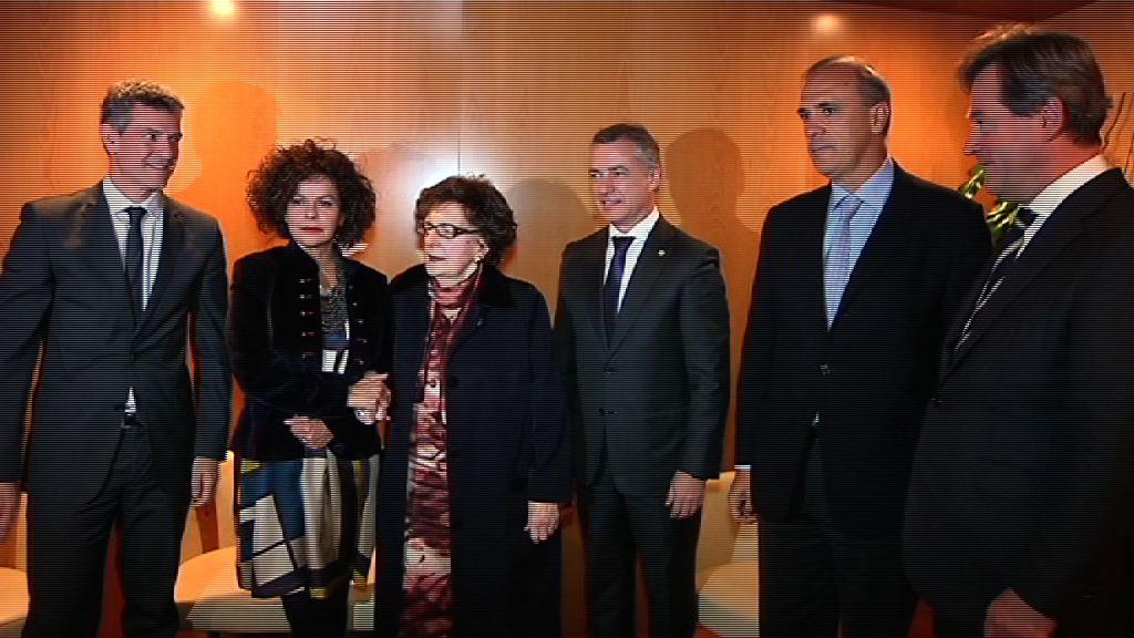 """El Lehendakari acude al concierto de la OSE, que ha interpretado la ópera """"Gernika"""""""