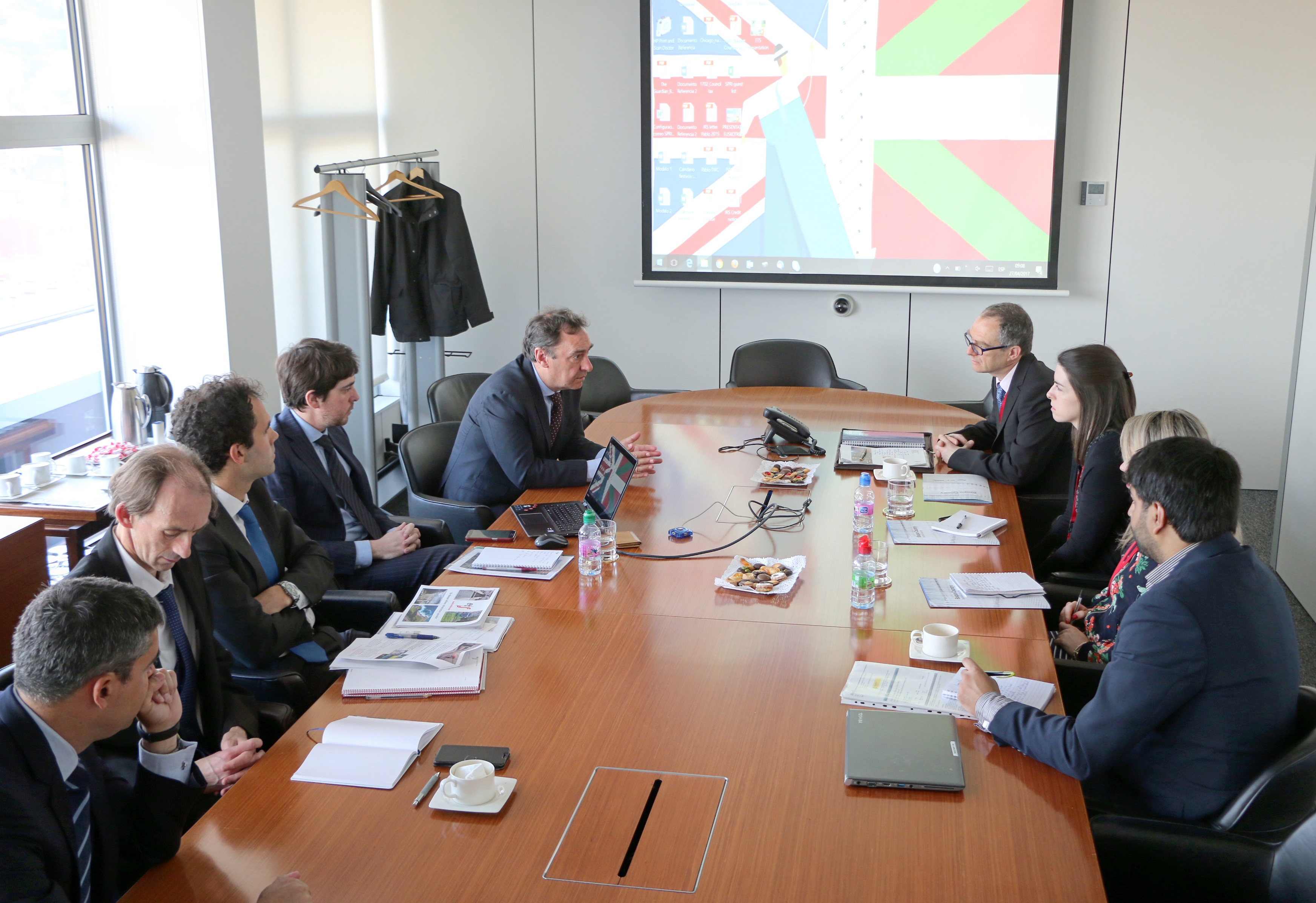 A British government delegation visits the Basque Country to learn about its rail projects