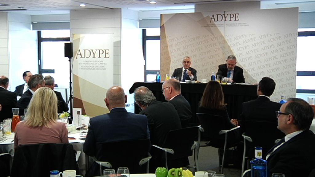 Pedro Azpiazu defiende que las sociedades que obtienen mejores resultados tienen niveles intensos de cooperación interinstitucional y público-privada