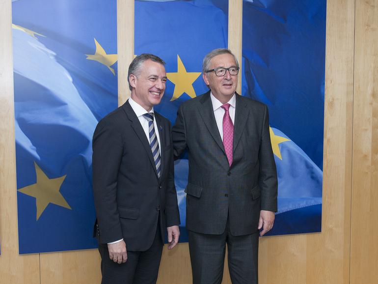 """Lehendakariak Junckerri adierazi dio Euskadi prest dagoela etorkizuneko Europaren """"behetik gorako"""" eraikuntzan parte hartzeko"""