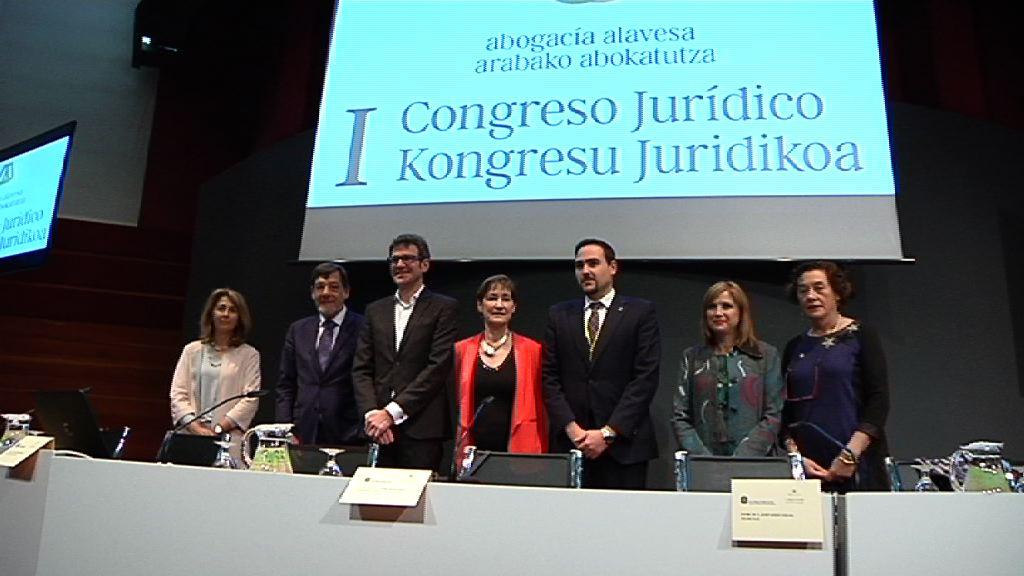 La consejera San José inaugura el I Congreso Jurídico de la Abogacía Alavesa