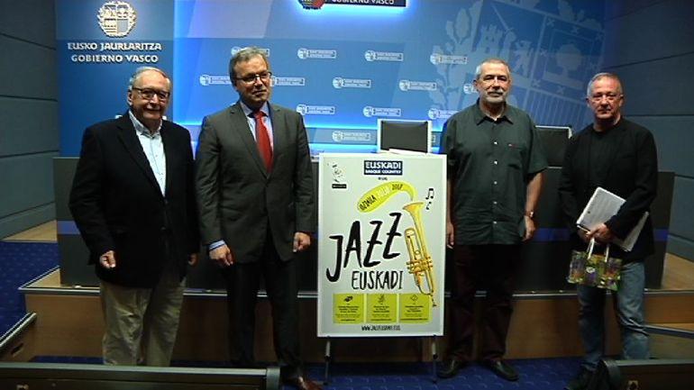 """""""Promovemos acciones y paquetes turísticos que contribuyan a atraer turistas con el impulso de los festivales de música"""" explica Retortillo en la presentación de los Festivales de Jazz"""