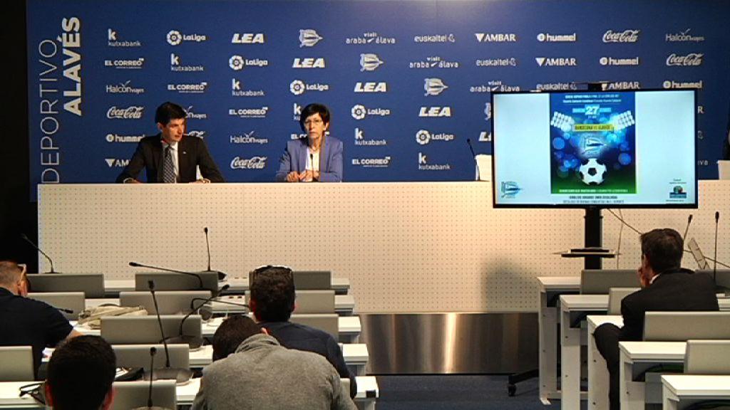 El Departamento de Seguridad y el Deportivo Alavés divulgan 40.000 folletos con el decálogo de buenas conductas en el deporte coincidiendo con el final de la Copa del Rey