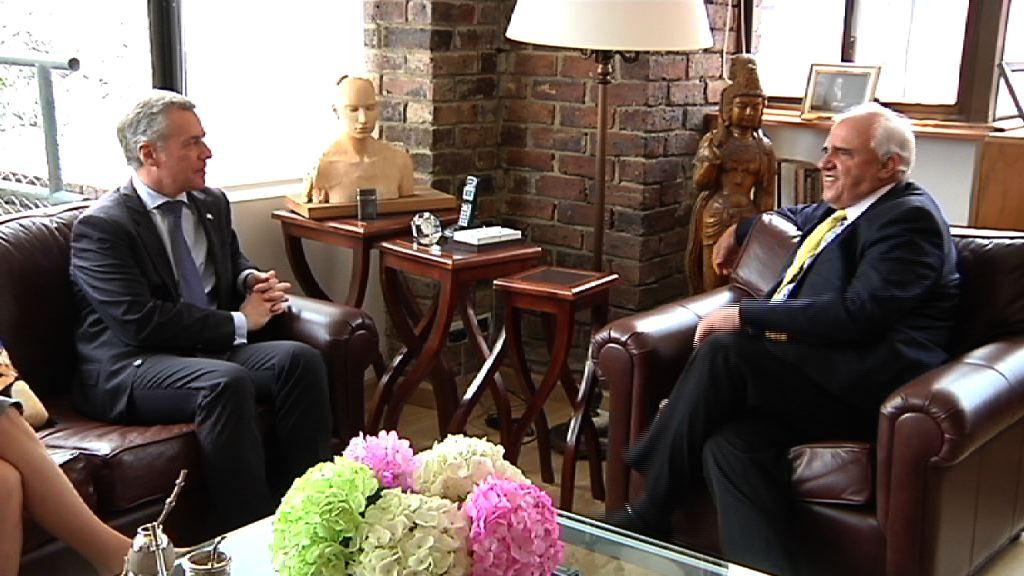 Ernesto Samper, Kolonbiako presidente ohiarekin bilera