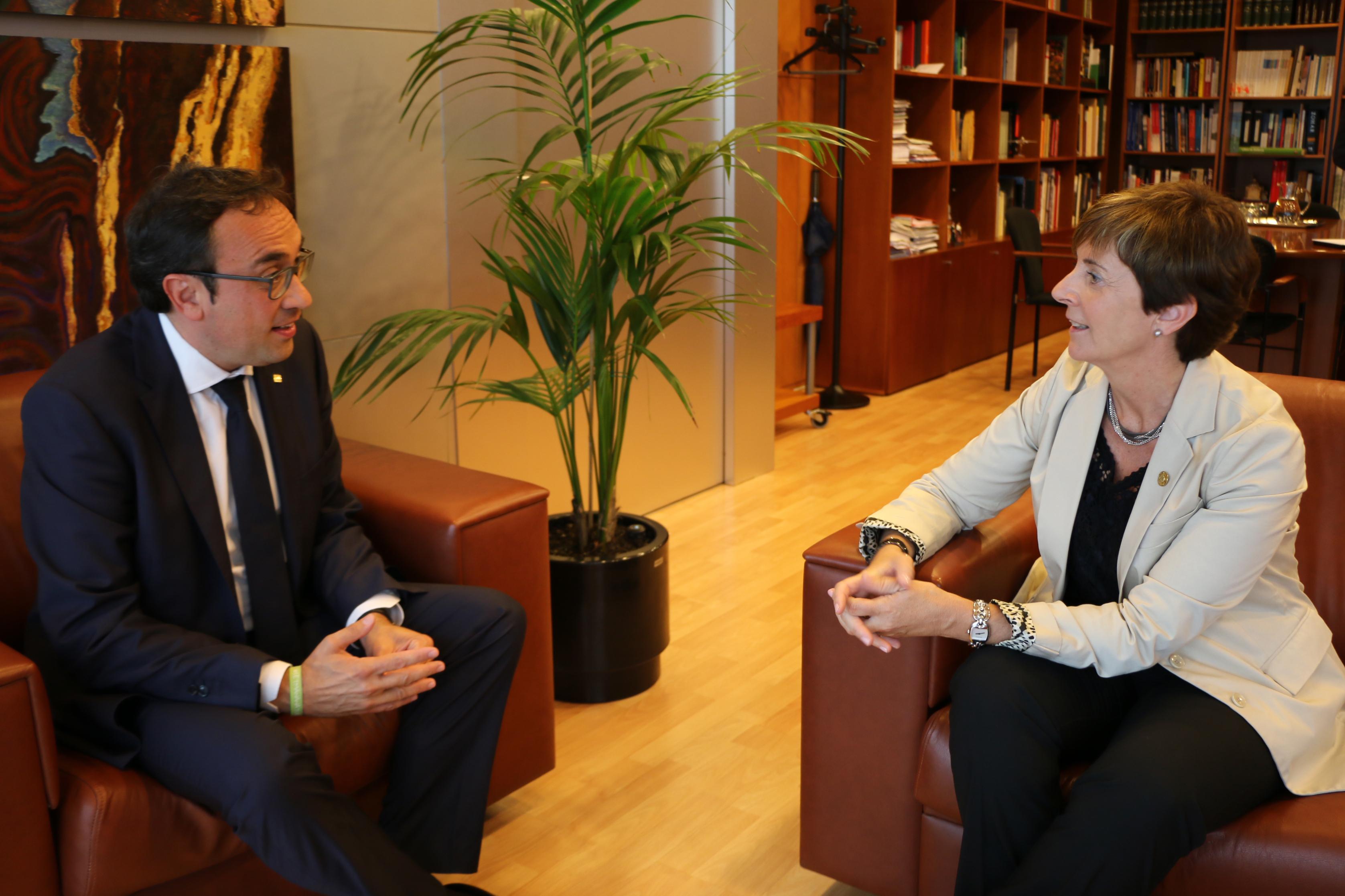 Euskadi y Cataluña reivindican priorizar el desarrollo de los ejes Atlántico y Mediterráneo frente a otras opciones de diseño radial o circular en el Estado